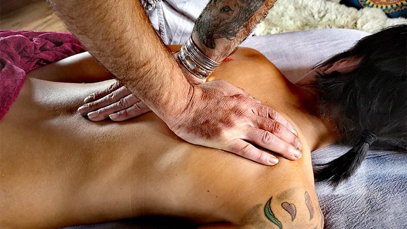esecuzione di un massaggio professionale